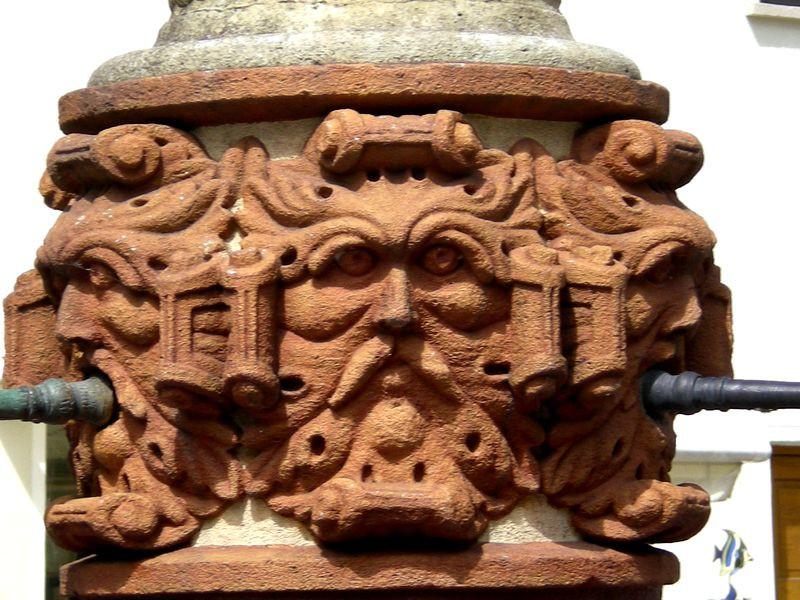 Faragás (kő és fa) Ulmból(5) - fafaragók baráti köre - indafoto.hu fc1047b334