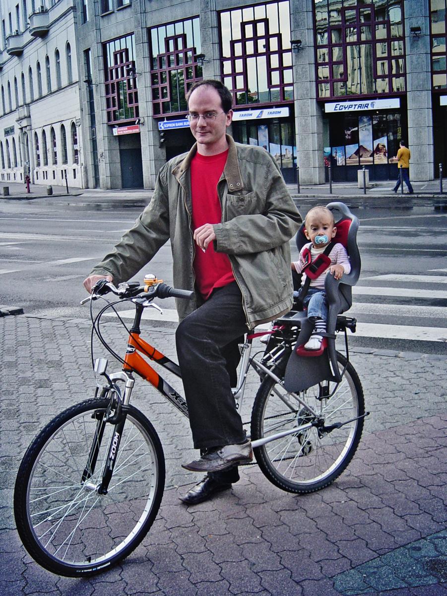 Apa biciklit hajt