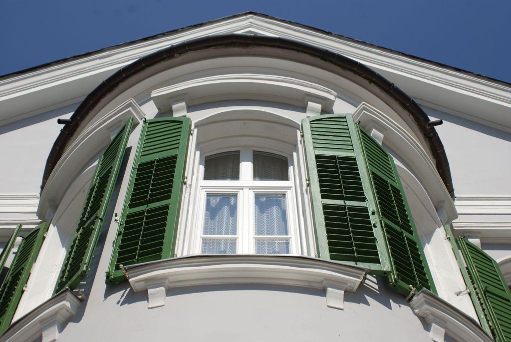 Bajai ablakok