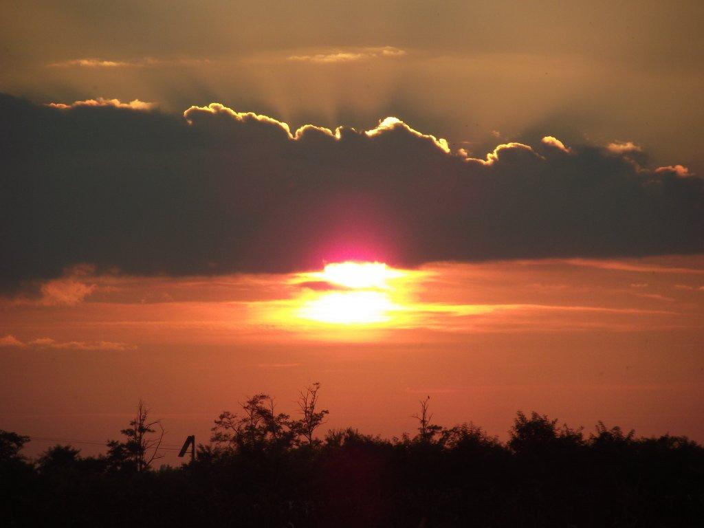 Felhős napnyugta